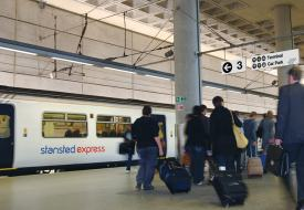 Flughafen-Transfer: Stansted Express